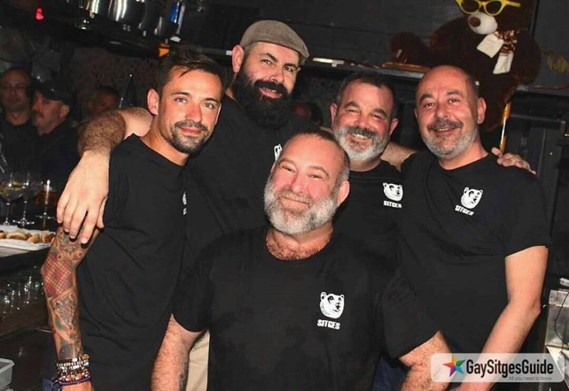 bears-bar-sitges-team
